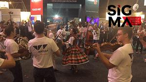 Flash mob säväyttää SIGMA 2017 -tapahtumassa
